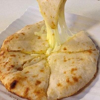 cheese-naan-min